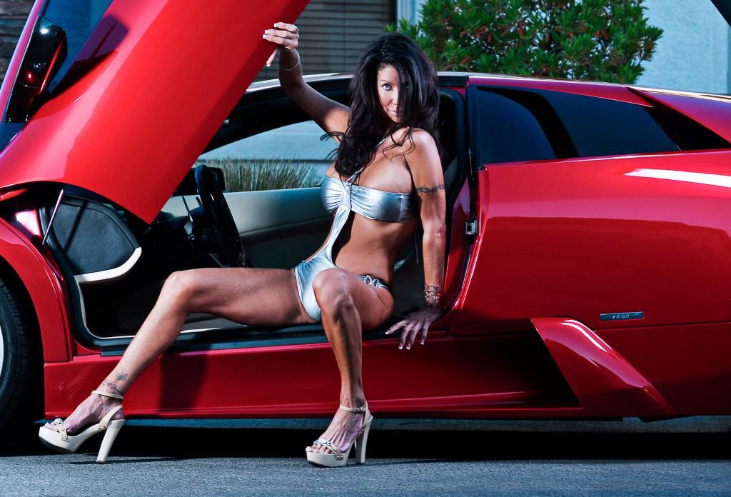 Irresistible las vegas brunette escorts